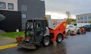 Citymaster puhastab tänavad ja parklad ning lükkab lume kui vaja